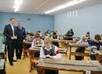 Григоренко Сергей Степанович. Ремонт мастерских в школе № 8.